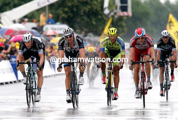 John Degenkolb takes 2nd-place from Kristoff - Sagan has fallen a few kilometres back...