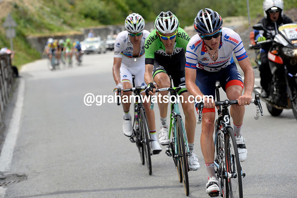 Matthias Frank is opening up a decent gap with Mollema and Rui Costa...