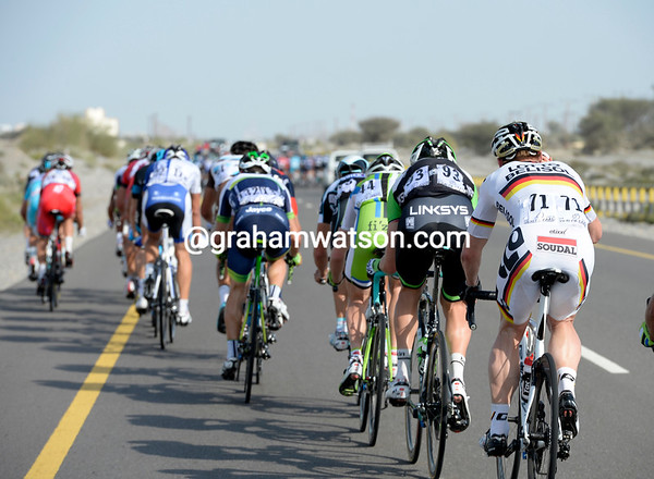Incredibly, Andre Greipel has been caught out and is in the third echelon of riders...