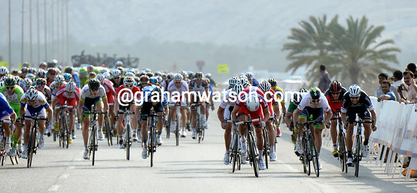 A headwind has split the finish-sprint into two groups, with Bouhanni on the wrong side of the road...