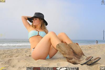santa monica bikini model 224..00..