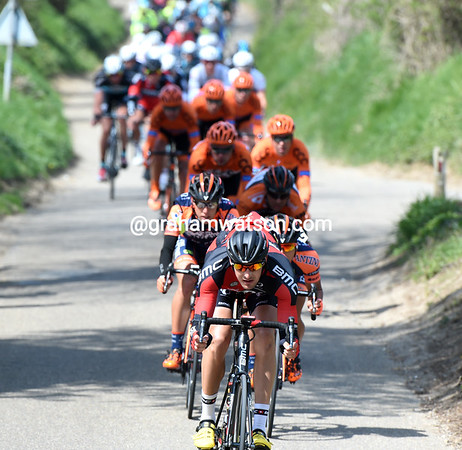 Marcus Burghardt descends the Gulperberg at the head of the peloton - it won't be this easy when they climb the same hill..!