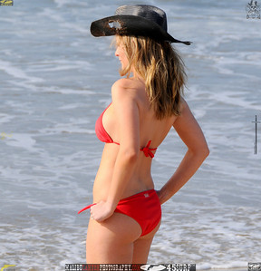 santa_monica_swimsuit_bikini_model 600..43545