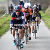 Devenyns leads the escape over the hills near Oudenaarde, but their lead is just a few minutes now...