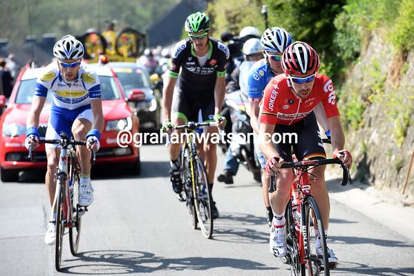 De Gendt is leading still over the Cote de Bohissau, but the gap has come down below five minutes...