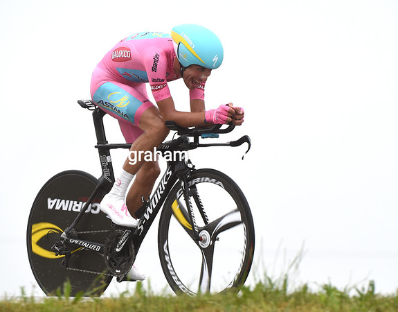 "Fabio Aru flopped as well - the race-leader took 29th at 3' 01""..!"