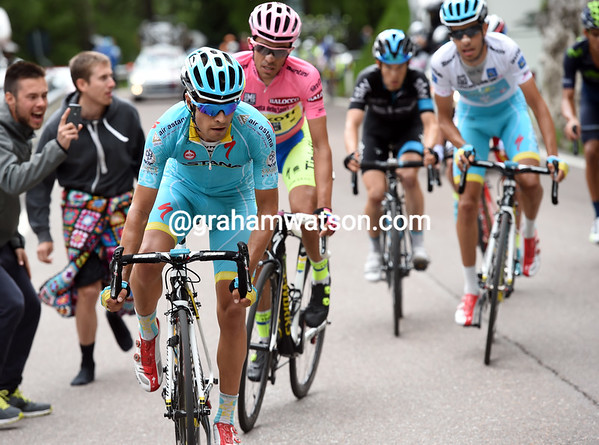 Mikel Landa makes an attack to soften Contador up, but it hasn't worked, and won't work..!