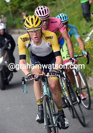 Kruijswijk paces Contador and Landa towards the summit - will they gift the Dutchman a stage-win..?