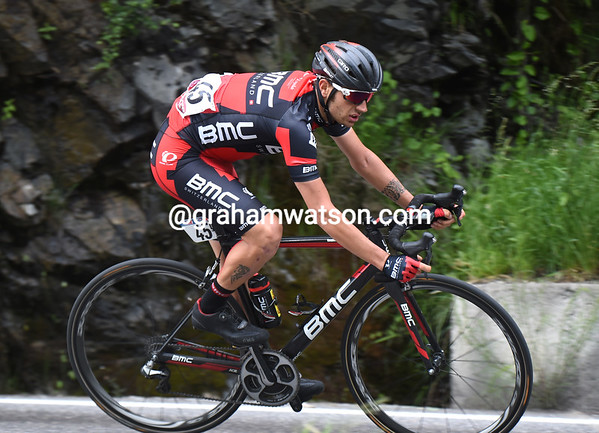 """Damiano Caruso is one of the first chasers to head down the Mortirolo....but he'll lose 3' 16"""" by the finish"""
