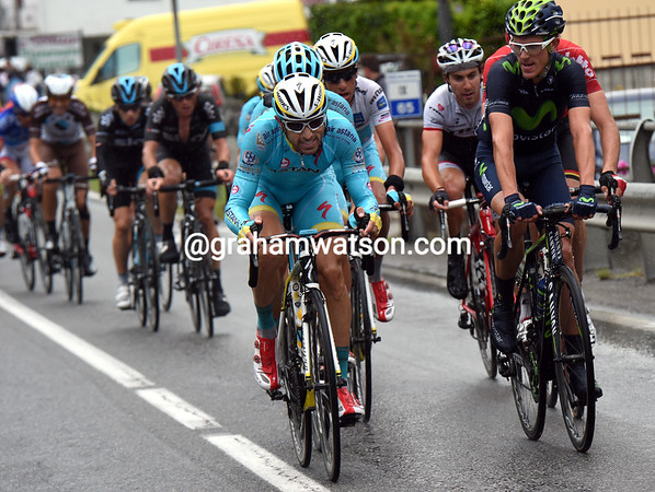 Astana has also attacked on the descent, with Dario Cataldo bringing Aru up to the Katusha-led group - but where's Contador..?!