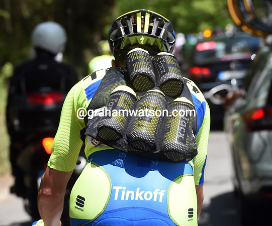 It's that time of the year, and Michael Rogers is modelling a five-bottle Sportful bottle-carrying vest...