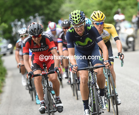 The pursuers are led by Herrada, Mionard and Kruijswijk, but their chase is disjointed..