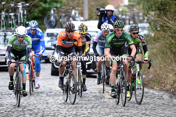 Jimmy Engoulvent leads the escape up the Oude Kruisberg with a two-minute lead...