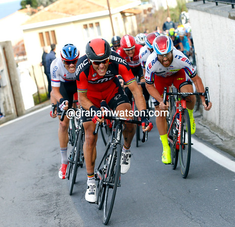 Philippe Gilbert counter-attacks with Stybar on his wheel..!