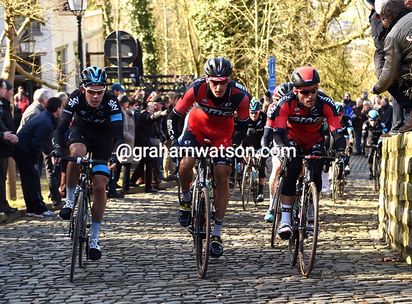 Sky and BMC lead the peloton up the Mur de Grammont with a six-minute deficit...