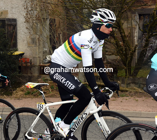 Paris-Nice has a first sighting of Michal Kwiatkowski as World Champion, who lost the race-lead yesterday...