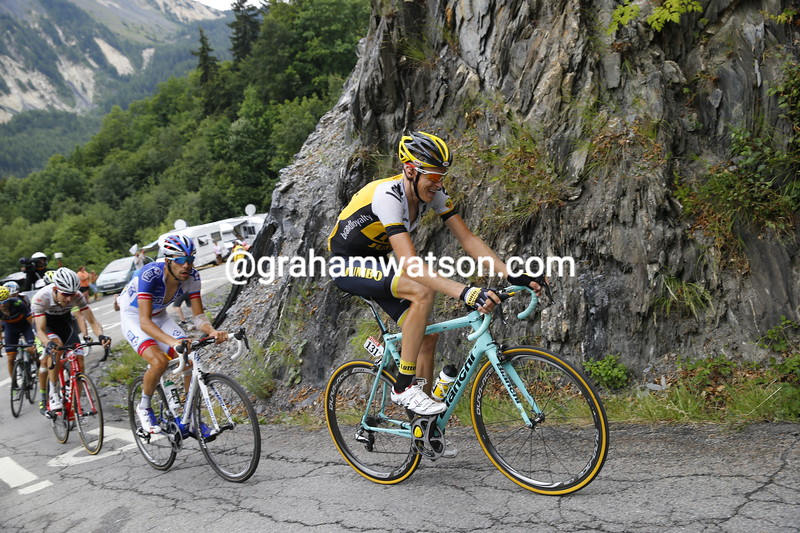 Robert Gesink is chasing hard with Thibout Pinot on his wheel...