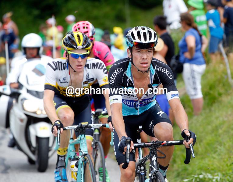 Rigoberto Uran and Steven Kruiswijk are chasing Nibali's counter-attack on the Croix de Fer