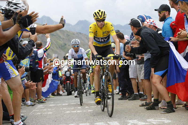Froome leads Quintana and Contador on the Col de Mollard...
