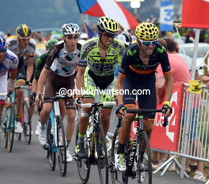 Valverde is chasing all the way to the finish with a grimacing Contador hanging on...