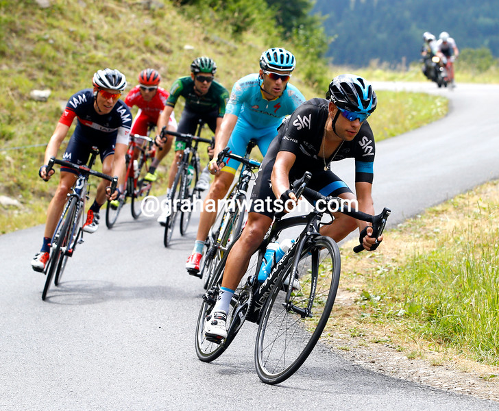 Richie Porte leads a dropped group on the Col du Chaussy