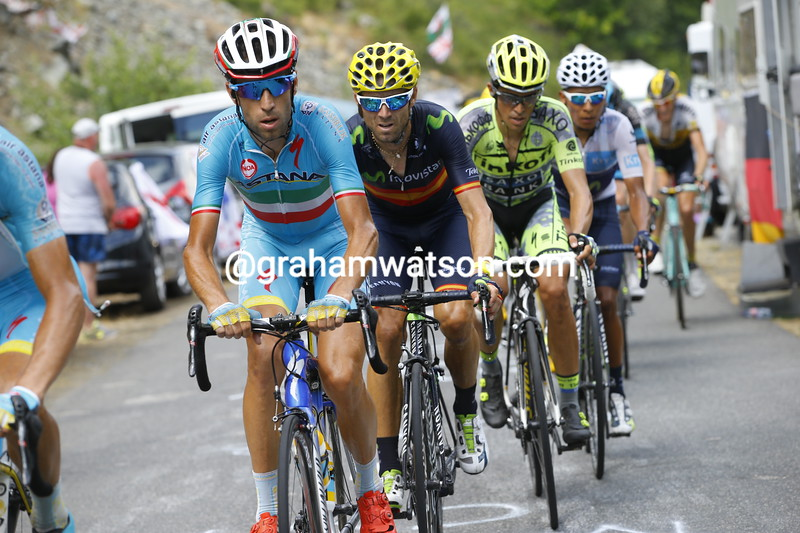 Vincenzo Nibali leads the chase of Pierre Rolland big group on the Col de La Croix de Fer with Alberto Contador following