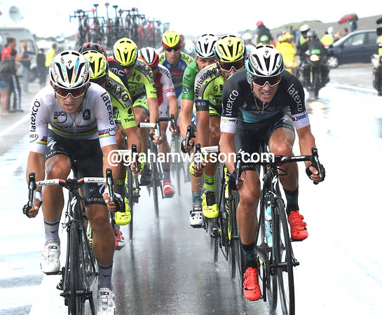 Kwiatkowski and Stybar are driving the escape along with Contador, Froome and Van Garderen the main beneficiaries...