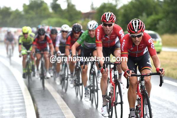 Tony Gallopin leads his Lotto team in the front group - Andre Greipel is with them too...
