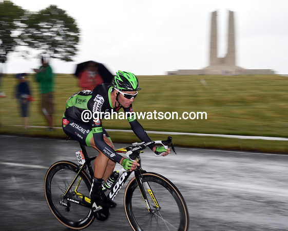 Perichon is alone in front as he passes the Canadian WW1 memorial on Vimy ridge...