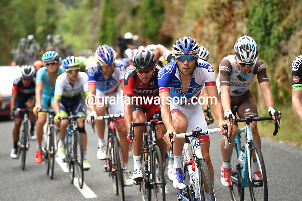 Thibaut Pinot is in the re-arranged escape - as are fellow climbers, Bardet and Yates...