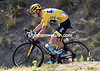 Froome descends as well as Nibali, and with little fear of losing much time to the defending champion...