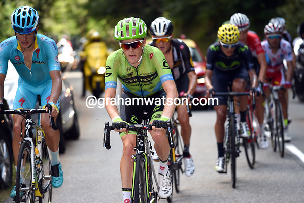 Talansky has sensed the chance of a stage-win and applies the pressure as well...