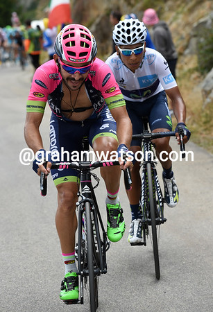 Jose Serpa has joined Quintana and paces his fellow Colombian towards Valverde...