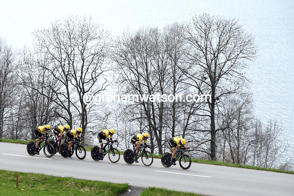 Lotto-Jumbo.nl took 15th, 55-seconds down...