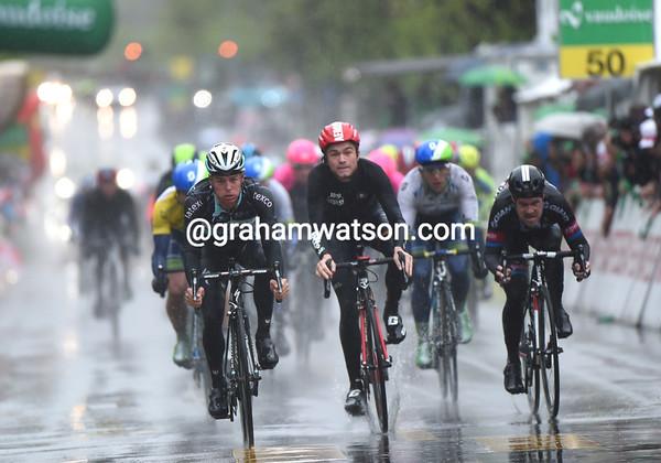 Gianni Meersman takes the peloton-sprint, 52-seconds down...