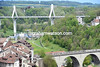 Old bridge, new bridge - the peloton leaves Fribourg and its ancient and modern architecture