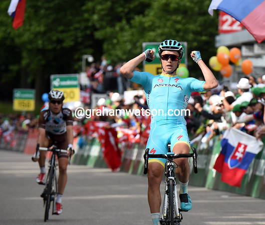 Alexery Lutsenko wins stage eight from Jan Bakelandts..!