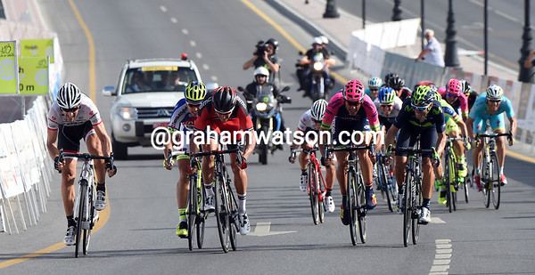 Eighteen riders fight out the finish, with Cancellara sprinting against Van Avermaet, Sagan Pozzzato and Valverde...