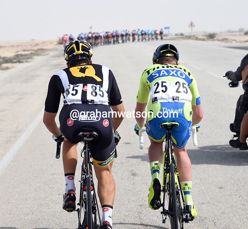 Kristan Sparagli and Jesper Hansen get spat out of the chasing group on a small rise - the pace is brutal..!