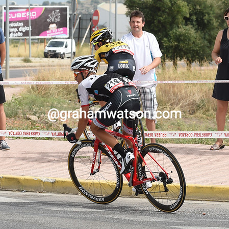 Up ahead, Zoidl and George Bennett miss a corner and almost fall...