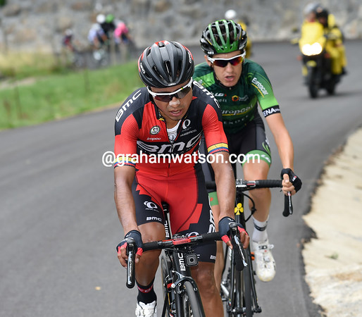 Darwin Atapuma and Roman Sicard are in front halfway up the climb...