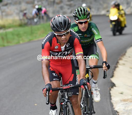 Darwin Atapuma and Roman Sicard are in front halfway up the climb...