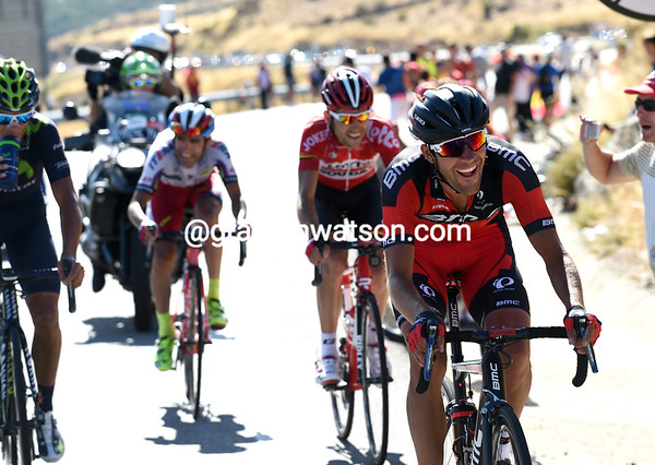 Amael Moinard is chasing Gougeard with Amador, Monfort and Machado behind him...