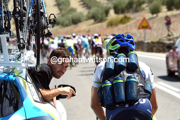 Who's this Orica-Green Edge cyclist loaded with bottles..?