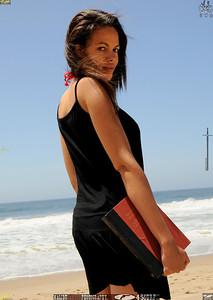 malibu zuma beautiful woman bikini model 1437.876