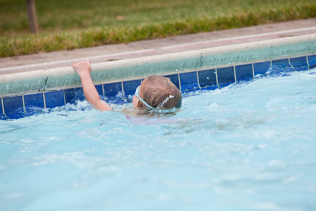 swimming-15