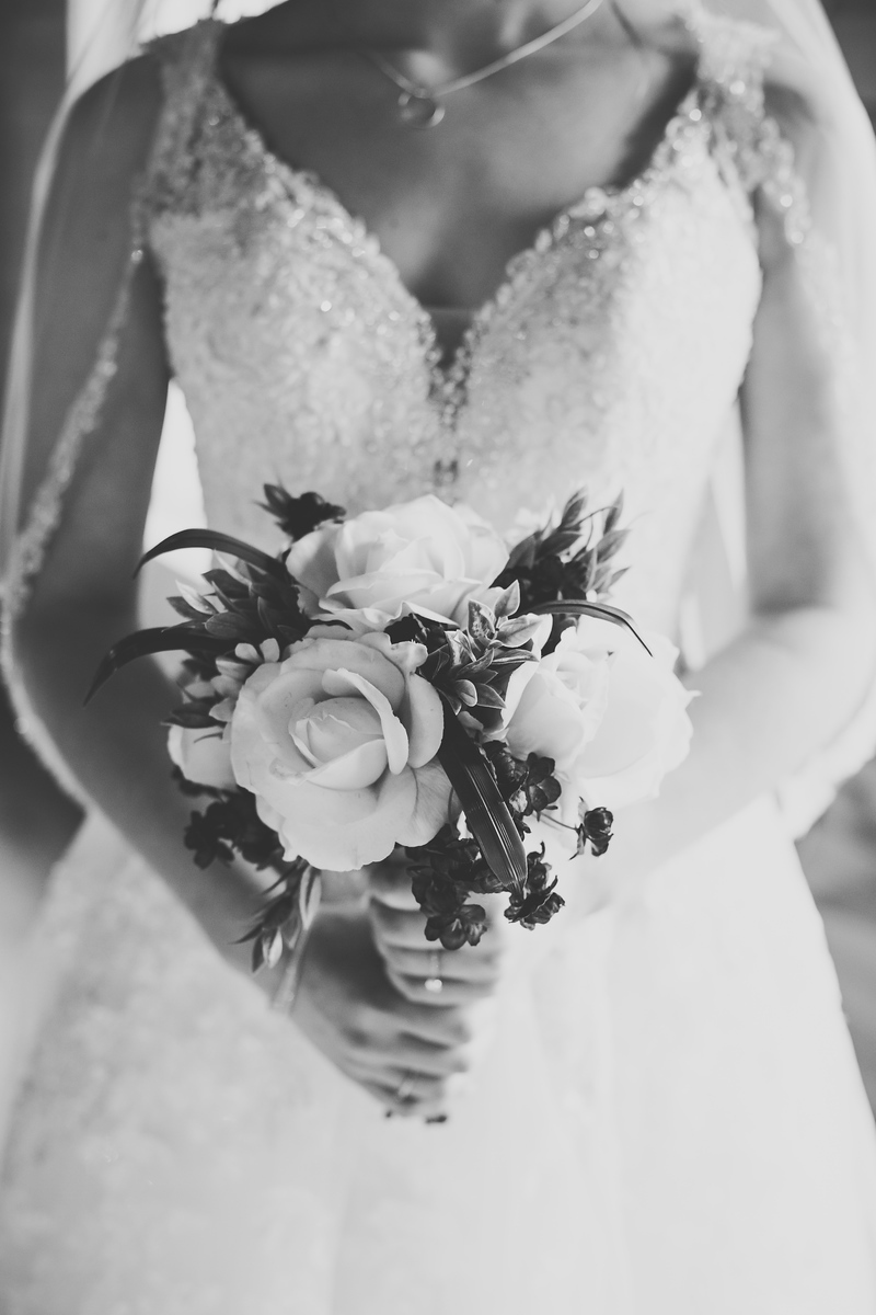 bridal boquet in black and white