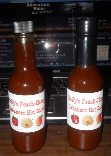Holly'sHotSauce01