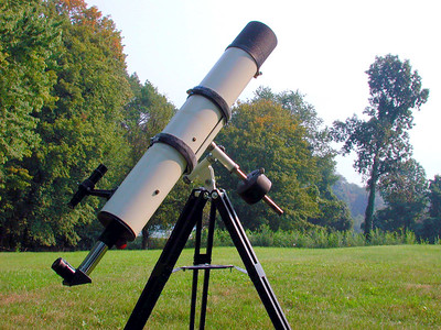 4 inch Jaegers f 8.6 telescope tube assembly on Edmund mount. Typical Jaegers lens quality, yields very nice lunar and planetary images that  exceeds 60x per inch.