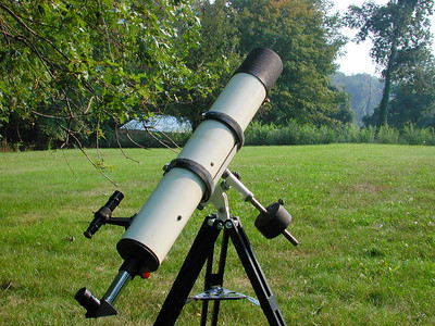 This is a 4 inch Jaegers f - 8.6 refractor that I acquired from Vincent J. Catanzaro of Philadelphia, PA 19152. The telescope tube assembly was bought and assembled by Vincent from all Jaegers parts in 1970. It has sharp, contrasty images despite the short lens focal length.